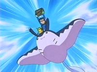 Archivo:EP216 Ash con el cofre (2).png