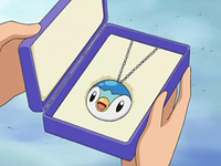 Archivo:EP545 Colgante Piplup.png