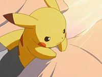 Archivo:EP543 Pikachu en la cama del centro Pokémon (2).png