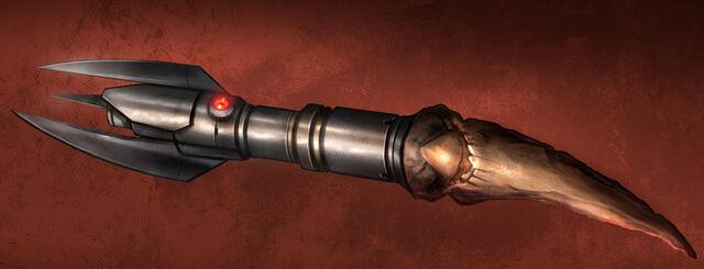 Archivo:Sith lightsaber TOR.jpg