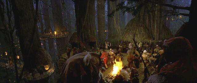 Archivo:Ewok celebration.jpg