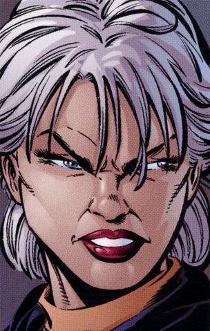 Archivo:Darkwomanheadshot.jpg