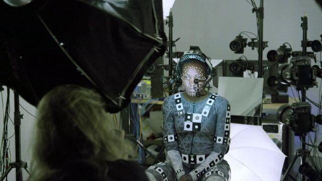Archivo:Lupita-nyongo-star-wars-the-force-awakens-vanity-fair-june-2015.jpg