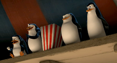 Archivo:M3 penguins at circus with popcorn.png