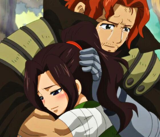 Plik:Gildarts hugs Cana (Close Up).jpg