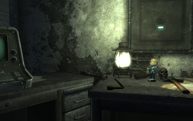 File:Bethesda ruins East office Bobblehead - Lockpick.jpg