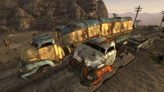 File:Trucksmojaveoutpost.jpg
