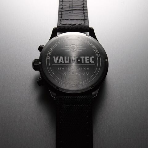 File:Etc-watch-fo-aviator-back.jpg