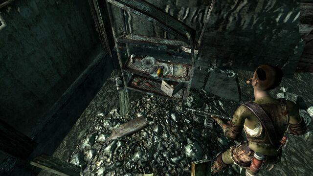 File:Raider house1.jpg