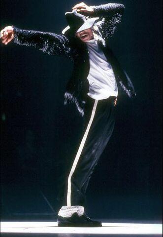 File:Billie Jean (Live).jpg
