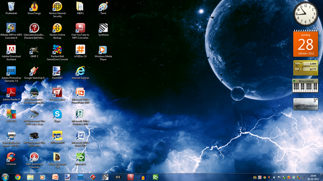 File:Tom's Desktop (New).png