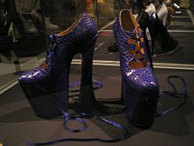 File-Vivienne Westwood Naomi Campbell shoes