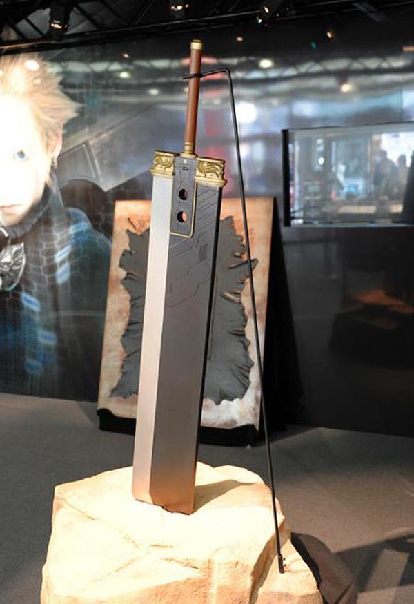 Image - Buster Sword Full-Scale Replica.jpg | Final Fantasy Wiki ...