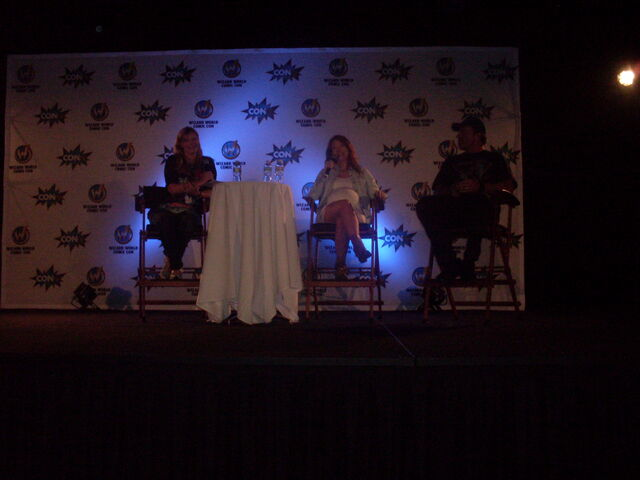 File:Jewel Staite and Adam Baldwin at Wizard World Nashville.jpg