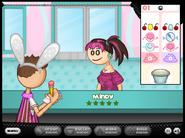 Papa's Cupcakeria - Mindy's order being taken