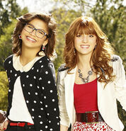 New-Frenemies-Pics-frenemies-27523933-300-312