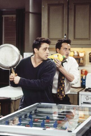 File:Joey and Chandler.jpeg