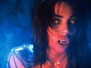 Fright Night Part 2 Julie Carmen Regine Vampire
