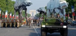 Fichier:Défilée des Champs-Élysées.png