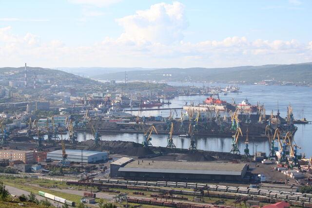 File:MurmanskHarbour.jpg