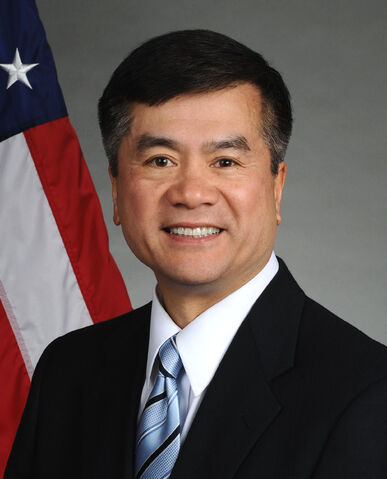 File:Gary Locke official portrait.jpg