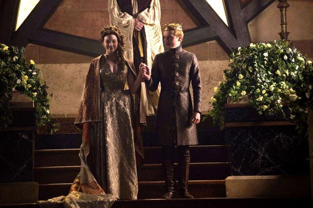 File:Margaery-Tommen-Wedding.jpg