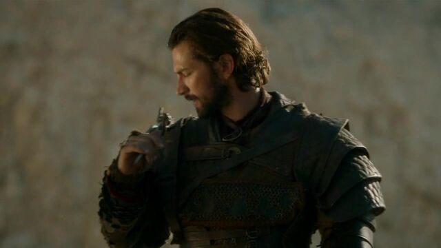 File:Daario prepares for combat.jpg