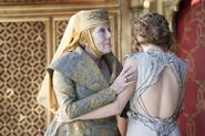 Margaery averts gaze from Joffrey's death