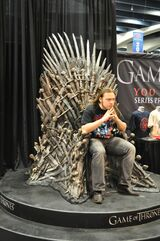 Wondercon-iron-throne-sheriff