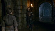 Jaqen makes a deal with Arya