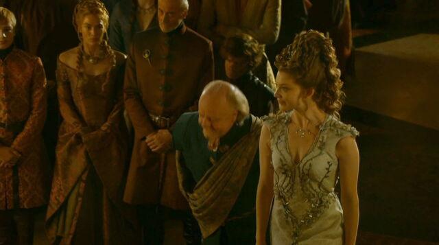 File:Margaery wedding dress Great Sept.jpg