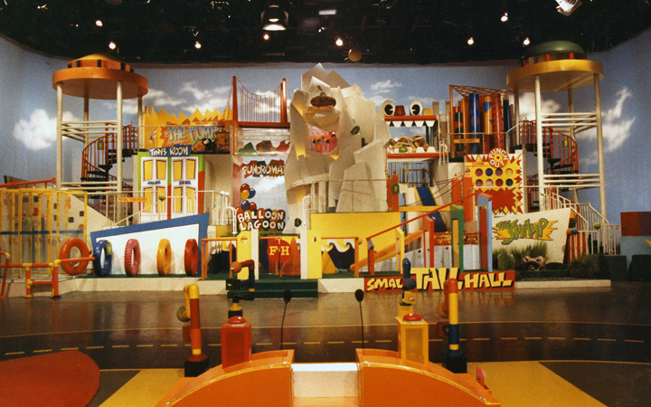 Fun house game shows wiki fandom powered by wikia for Classic house 1988
