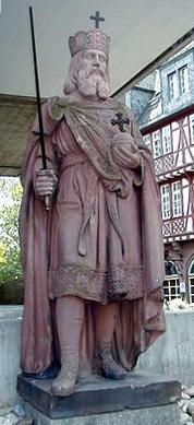 CharlemagneStatue