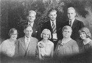 FrankVictorVanCott(1863-1938andfamily