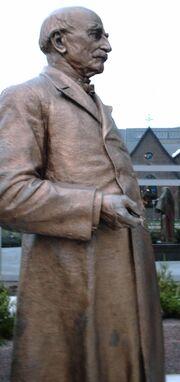 StatueWWMayo2005