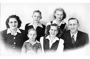 Dorphinhaus Family