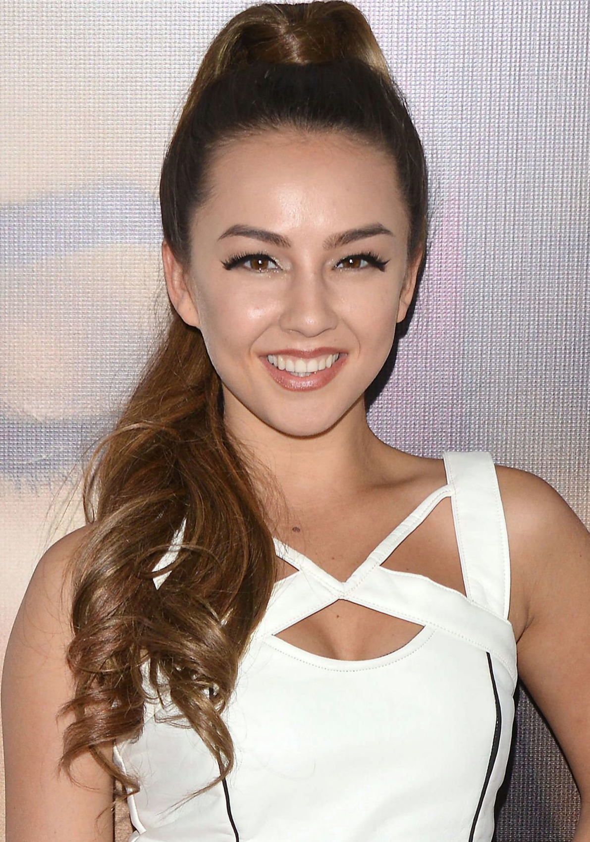aboutnicigiri: Lexi Ainsworth