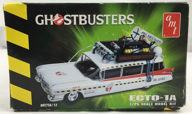 File:AMT Ecto1A 2012 Model Box Right.jpg