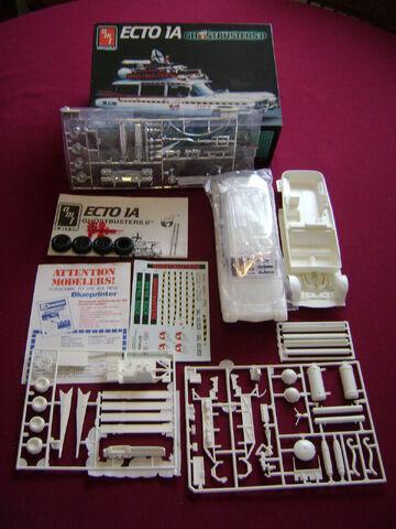 File:AMT Ecto1A 1989 Model Parts02.jpg