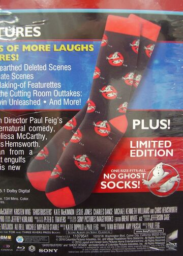File:GhostbustersAnswerTheCallWalmartSocksGiftSet07.jpg
