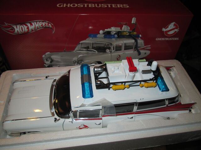 File:Hot Wheels Ecto1 1-18 Scale Heritage07.jpg