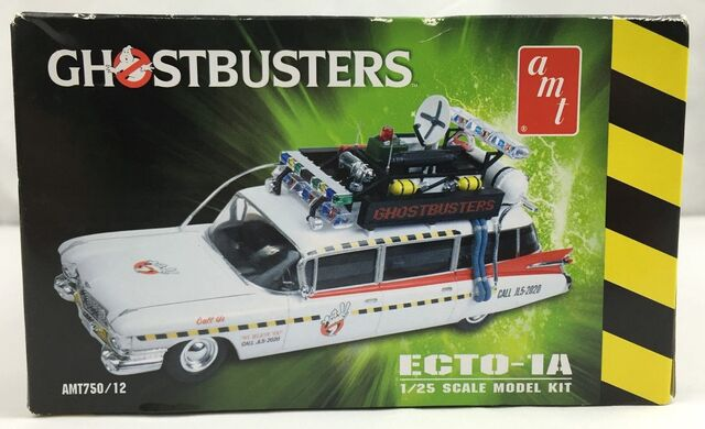 File:AMT Ecto1A 2012 Model Box Left.jpg