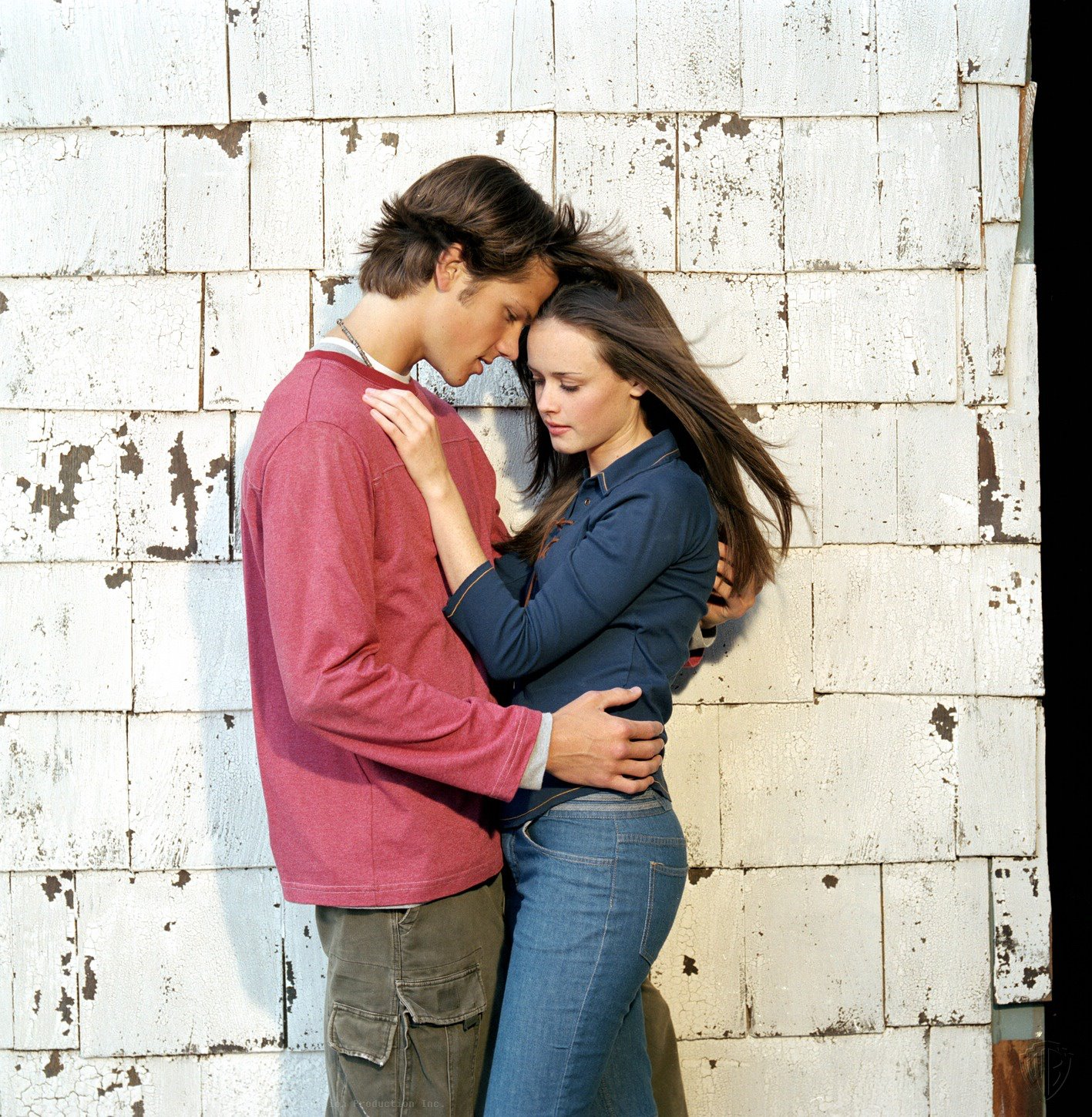 when do rory and logan start dating At the time logan and rory begin dating rory and logan weren't in a relationship in diorama but logan couldn't stand logan but at the very start.