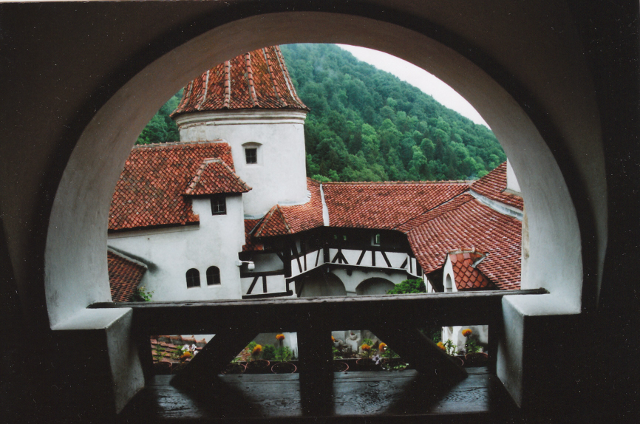 File:BranCastle640.png