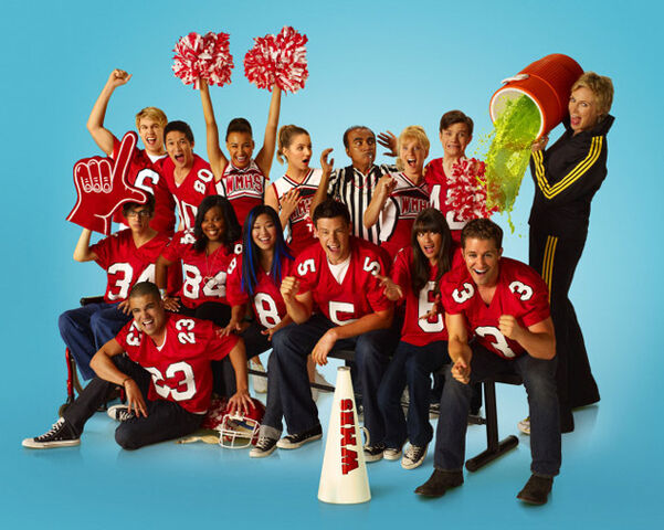 File:GleePromoSeason2.jpg