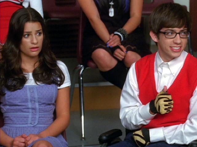 File:Glee-rachel-artie.jpg