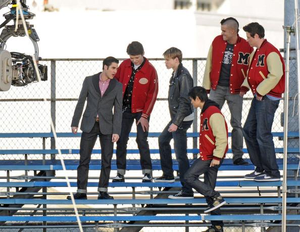 File:The+boys+of+Glee+get+down+GB5 oeNQAM8l.jpg