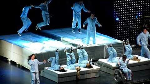Glee Live- Jump