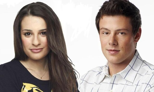 File:800px-Glee-Cast-Wallpaper-glee-11671706-1023-614.jpg