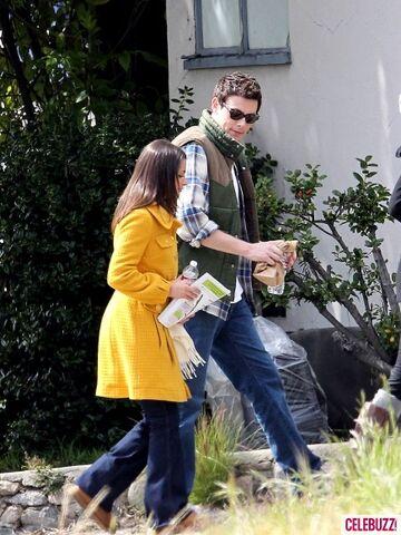 File:Cory-Monteith-and-Lea-Michele-Glee-3-435x580.jpg